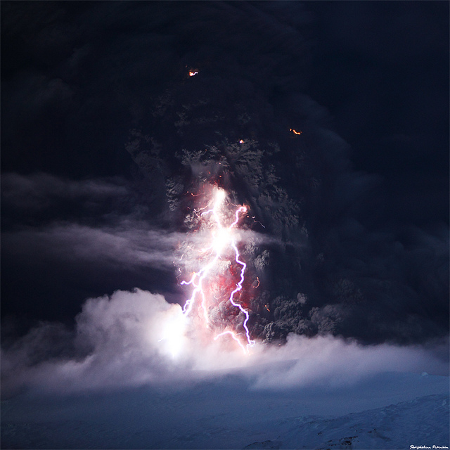 4534593596 c943425e33 z 20 Beautiful Active Volcano Images