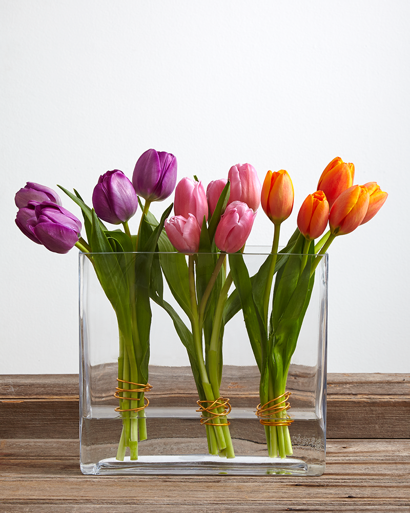 3-24_Three-Ways-to-Style-Tulips_Images-2